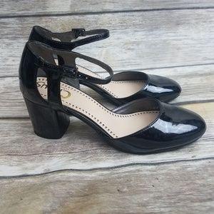 Sam Edelman Circus sz 7 black patent leather shoe